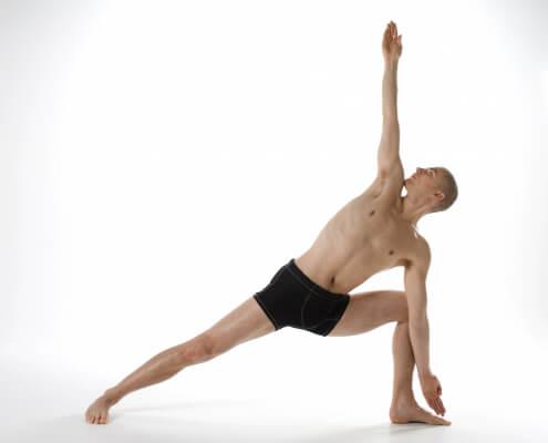 triangle pose  trikonasana  bikramyoga